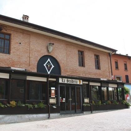 Dozza, La Scuderia