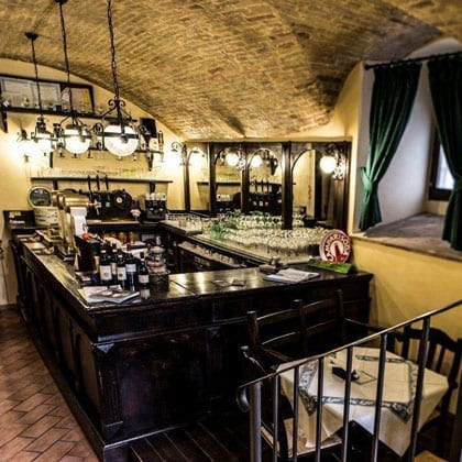 Trevi, Taverna del Teatro